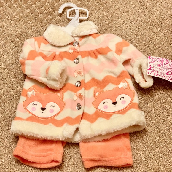 Other - Newborn Winter Matching Pants and Sweater Set